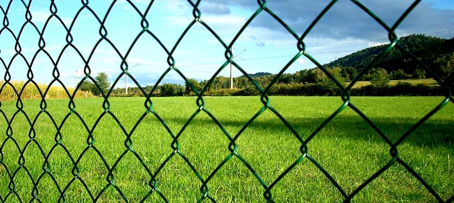 Siatki oraz panele ogrodzeniowe